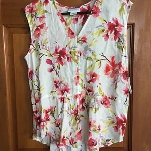 Liz Claiborne floral Sleeveless top